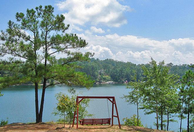Hidden Cove Outdoor Resort swing