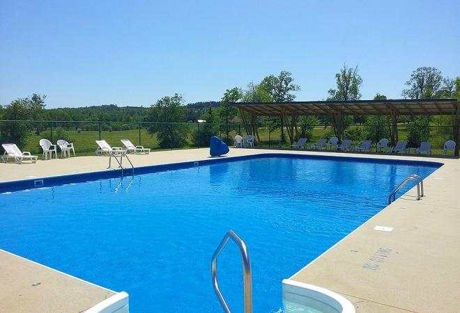 Hidden Cove Outdoor Resort pool