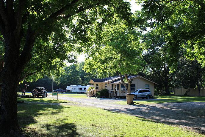 Pecan Grove RV Park4